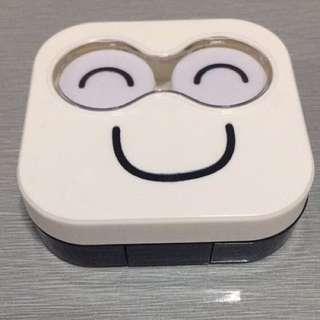 Happy Face Contact Lens Case • White •