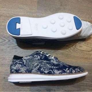 全新瑞典品牌Gram復古花休閒鞋