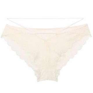 甜美蕾絲白色底褲