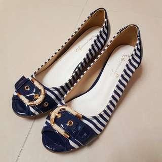 日牌Feminine cafe L size 船跟鞋(藍白間)