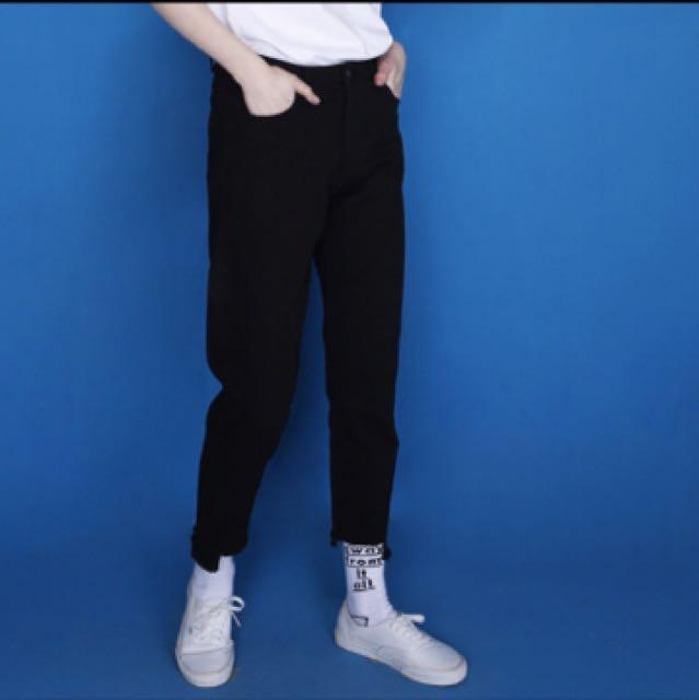 百搭高腰黑色毛邊牛仔褲