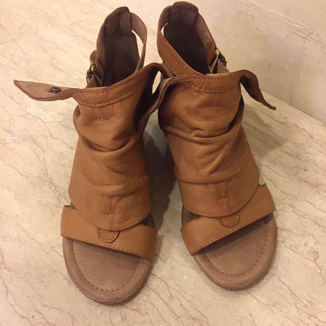 個性駝色咖啡色皮革楔型涼鞋羅馬涼鞋