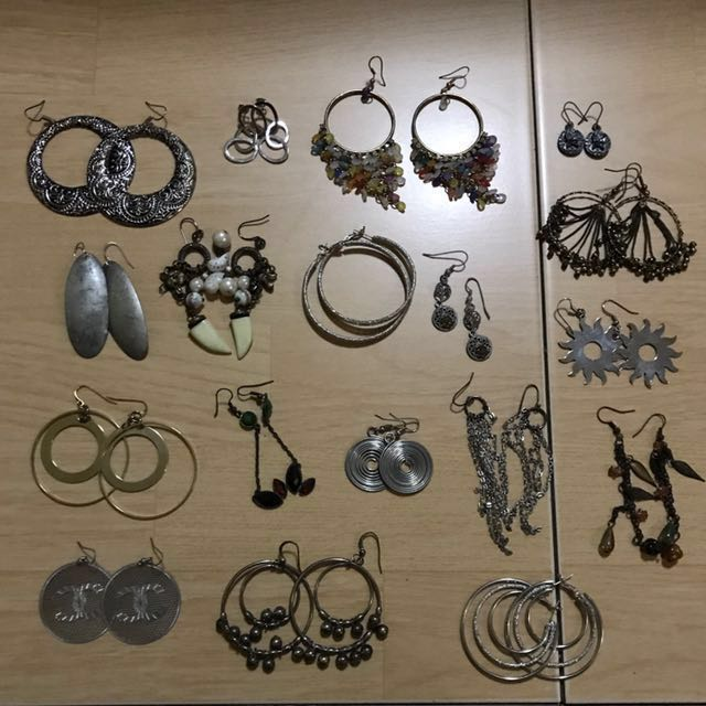 Assorted preowned accessories (swipe for more photos)