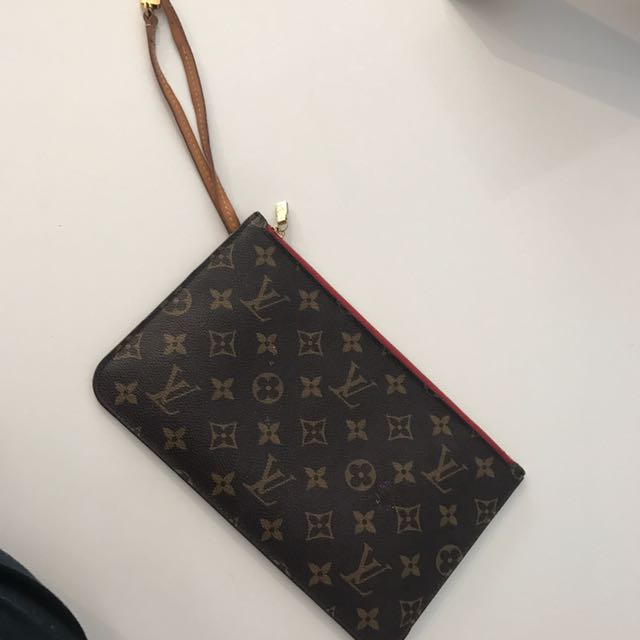 Authentic Louis Vuitton Neverfull Clutch