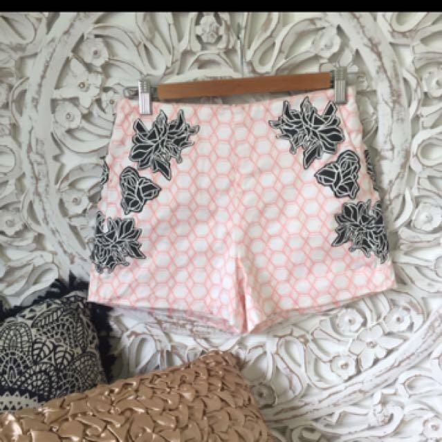 Bardot size 8 pink and white shorts