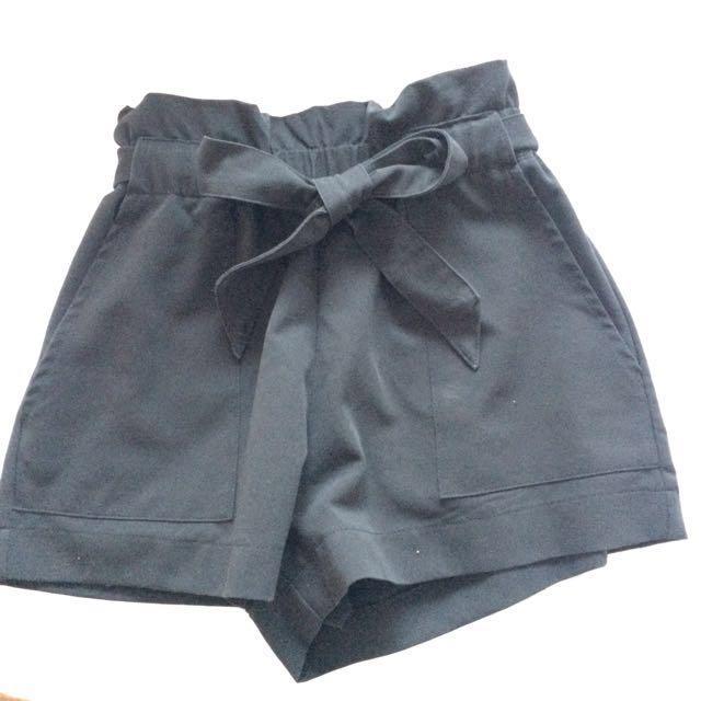 Bow tie black shorts XS-S