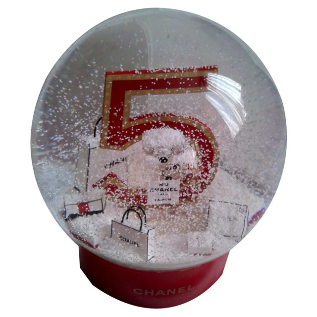 CHANEL SNOW GLOBE EXTRA LARGE LIMITED EDITION VIP GIFT