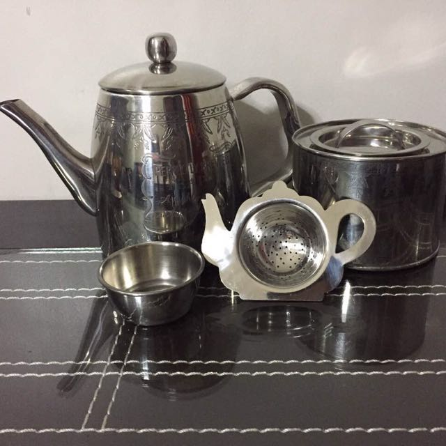 Collector's Item: Vintage Perfectly Brewed Tea Set