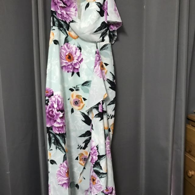 Floral dress with tags