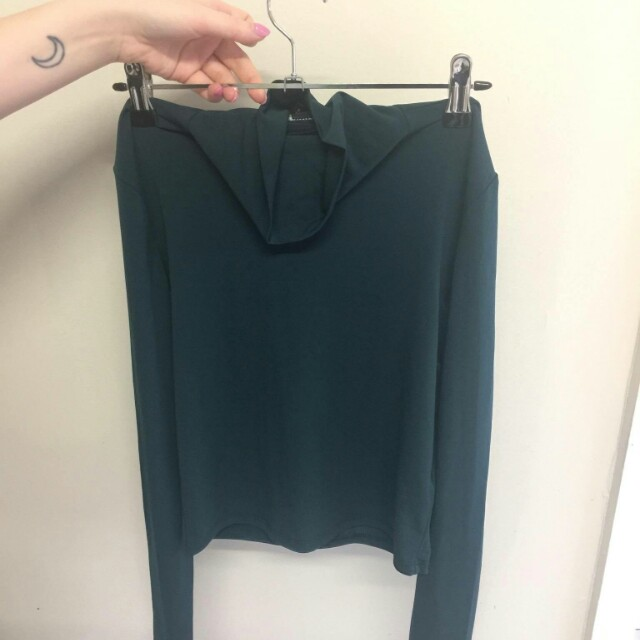 Forever 21 green turtleneck crop top