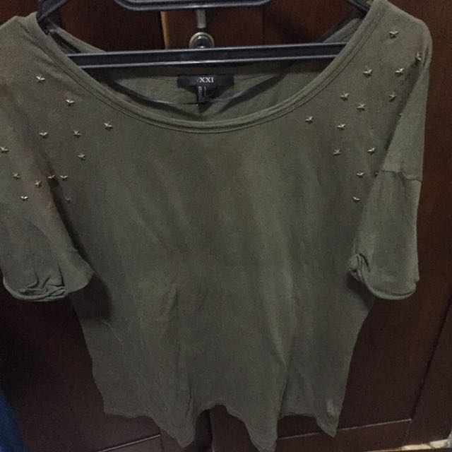 Forever 21 XXI army t shirt