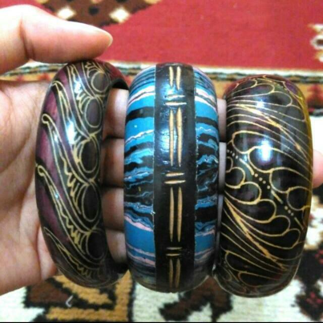 Gelang Kayu Dari Bali