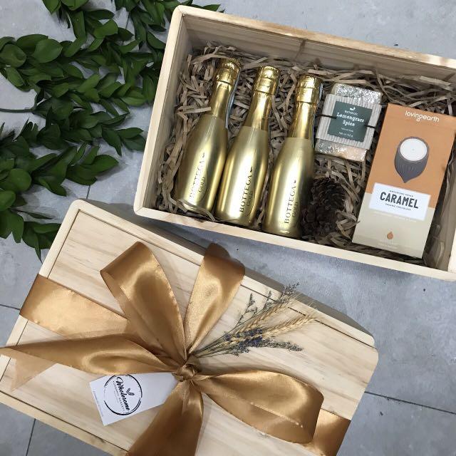 Golden Basket Parcel Gift Wine