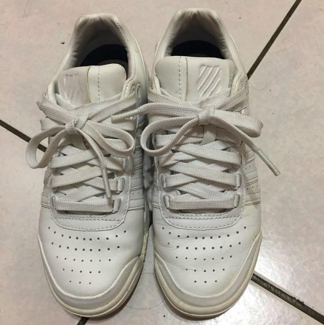 K•SWISS白色運動鞋