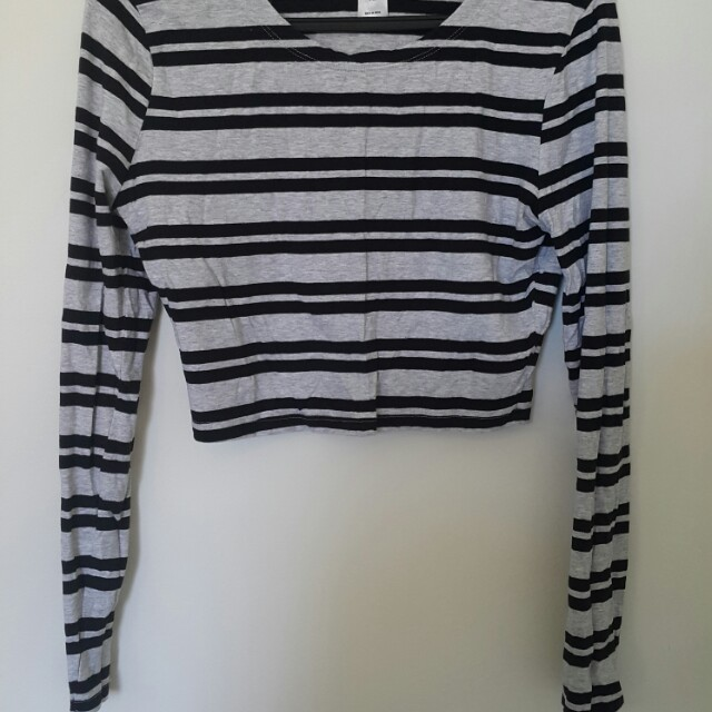 Long sleeved crop to