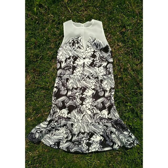 Lovire Flowy Dress