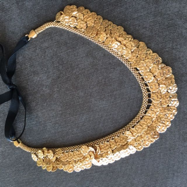 *RARE* Amrita Singh Gold Statement Necklace bib Shopbop Aritzia Revolve NASTYGAL