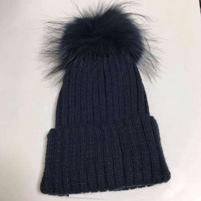 全新日本購入🇯🇵Rose Bud 深藍色毛毛球冷帽