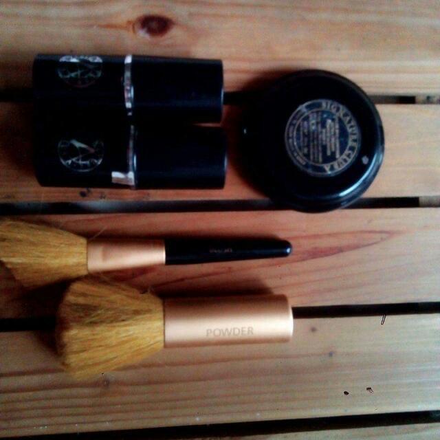 Signature Club A Make-up Bundle