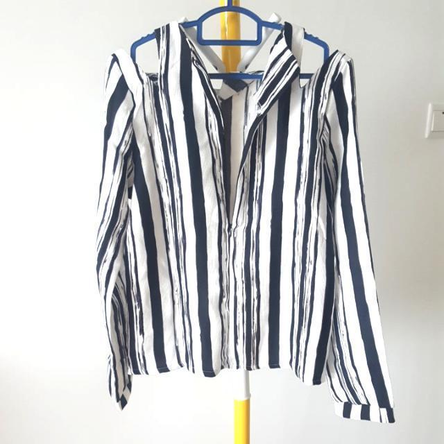 Stripy Cold Shoulder Back Zip  Trendy Top Free Size