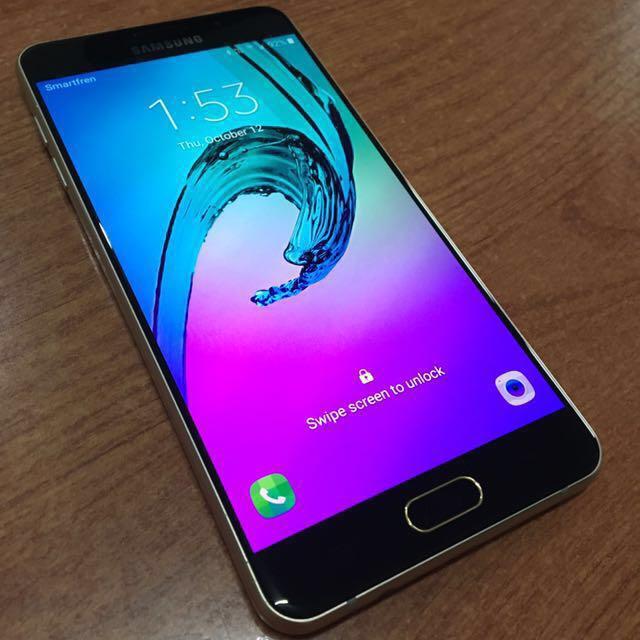 TURUN HARGA Samsung Galaxy A7 LIKE NEW