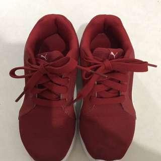 Puma sports shoe size 13