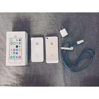 白色4s(賈伯斯最後作品)金色5s(尺寸跟se一樣)#出清手機大作戰
