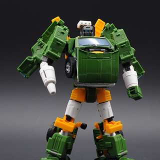 Badcube Lorry (Not Masterpiece Transformers Hoist)