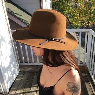 Aritzia Wilfred Wool Hat