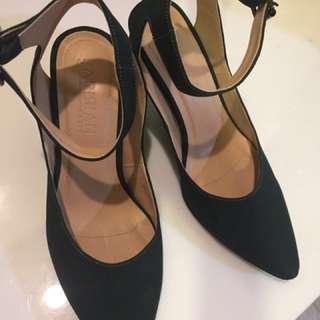 Parisian suede heels