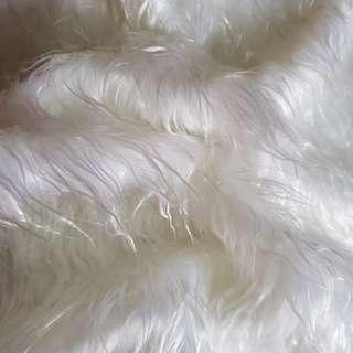 FUR FABRIC ( WATER HAIR )white