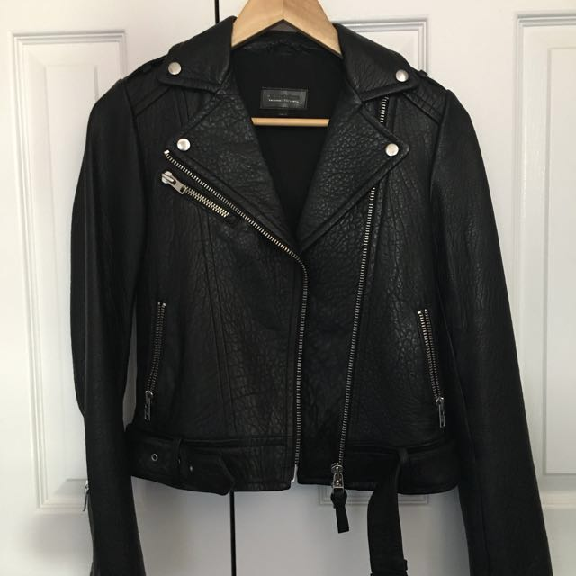 10/10 CONDITION LEATHER MACKAGE RUMER JACKET SIZE XXS FROM ARITZIA