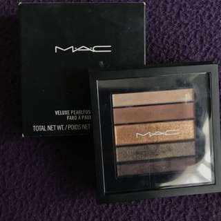 Mac Pearlfusion shadow All-in-one
