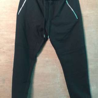 H&M jog pants (Black) small but can fit Medium. NEW!