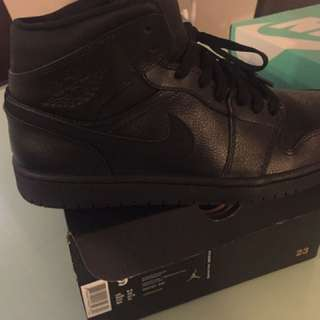 Air Jordan 1 mid size 9.5