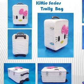 Ratan luggage / baggage / trolley bag hello kitty or vintage