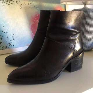 SIREN Leather Black Ankle Boots Size 38