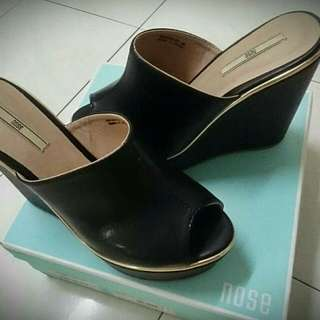 Wedges Nose Brand