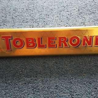 Original 400g toblerone box