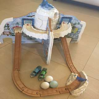 Thomas and Friends wooden Rumble & Race Mountain set