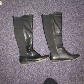 Knee length boots size 6