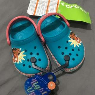 CROCS Moana Clogs