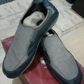 (repriced)Hush Puppies Slip On Shoes