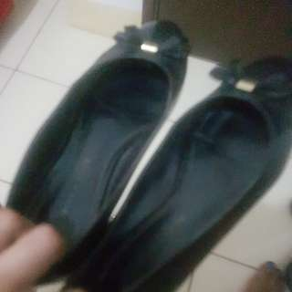 Charles & keith / CK flat shoes