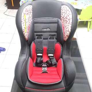 法國進口 納尼亞nania 汽車兒童安全座椅 兒童座椅 法拉利紅 近全新,送嬰兒反坐底墊