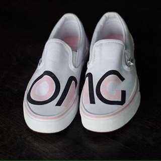"""Vans Slip-On Sayings """"OMG"""" - True White"""