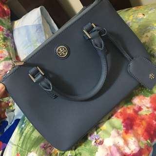 authentic Tory Burch small bag with sling