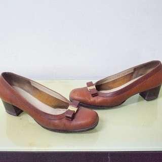 Salvatore Ferragamo Authentic Pump shoes brown leather original sepatu kerja