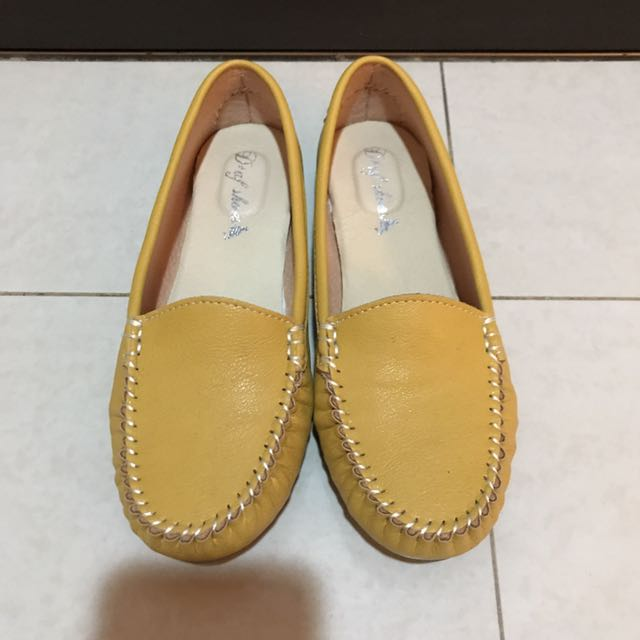 黃色平底鞋