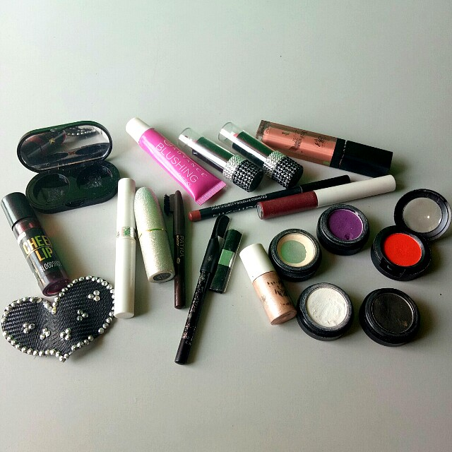 Assorted Make Up For A Very Low Price
